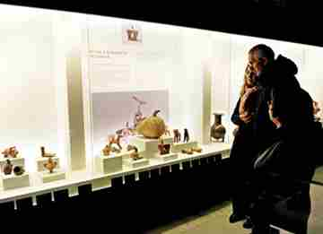 Rare Assyrian artifacts on display in Istanbul