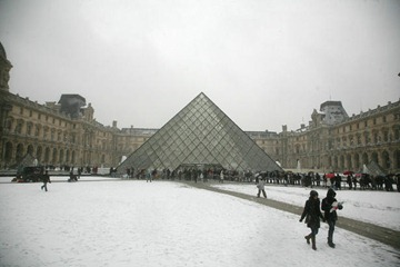 Louvre equals its record 8.5 million visits in 2010