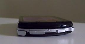 PSP Go (left)