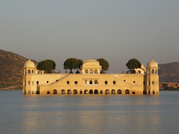 Obiective turistice India: Water Palace Jaipur