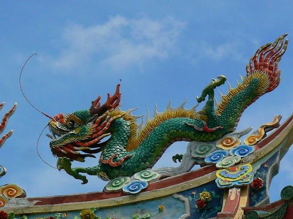 Imagini Malaezia: dragon chinezesc Pulau Labuan