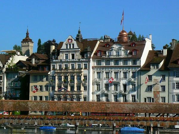 Obiective turistice Elvetia: pe malul raului, Lucerna