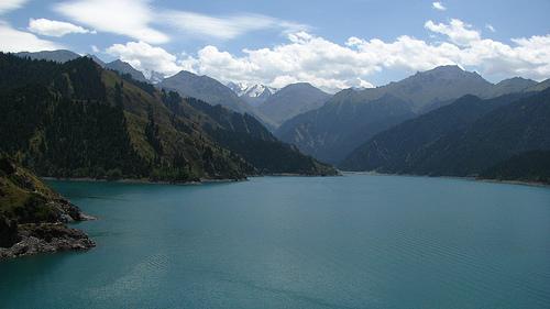 Obiective turistice China: Tian Chi lake.jpg