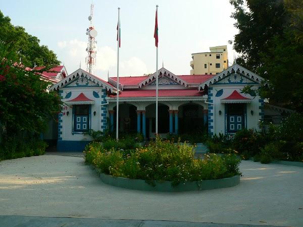 Imagini Maldives: sediul presedentiei.JPG