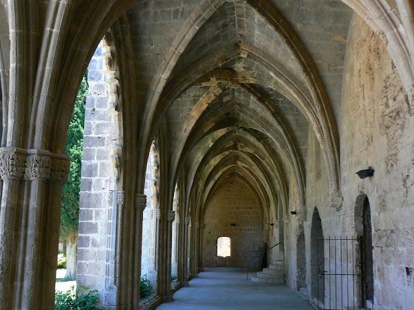 Obiective turistice Cipru de Nord: Bellapais Abbey
