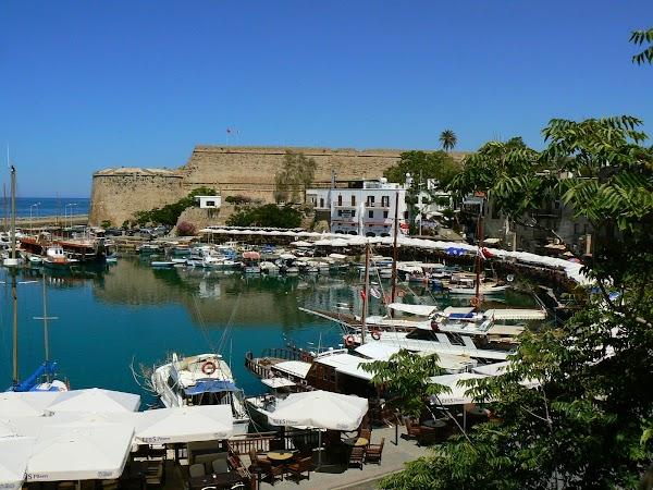 Obiective turistice Cipru de Nord: portul Kyrenia.JPG