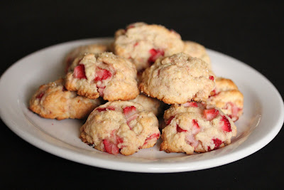 photo of a plate of Strawberry Shortcake cookies