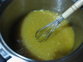photo of the eggs and sugar being mixed