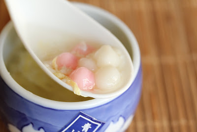 close-up of fermented rice with tapioca balls