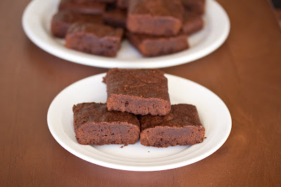 close-up photo of a stack of three brownies