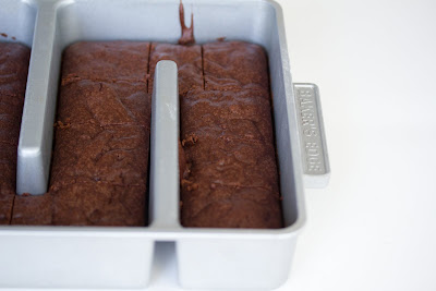 photo of brownies in a bakers edge pan
