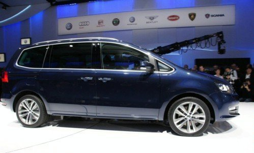 New Volkswagen Sharan with the shifted doors