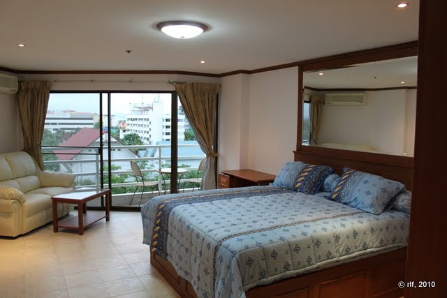 <a href='rent_room_pattaya_vt224.phtml'><b>Pattaya Room Jomtien #224:</a></b><br>beautiful wooden style room with classic atmosphere. From 600 Baht / day