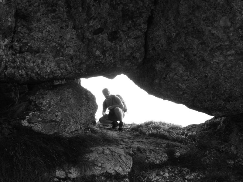 Două văi şi-o brână pentru o cunună: Portiţa Caraimanului