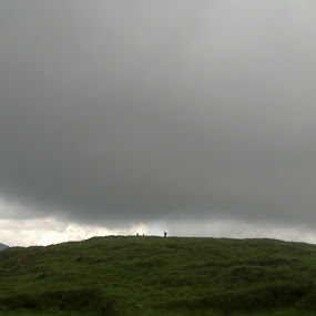 Beauty of Ponmudi by Mayank Naharia - Novices Only Landscapes ( mountain, nokia, cloud, kerala, man )