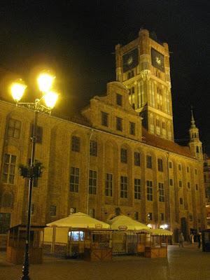Toruński ratusz nocą