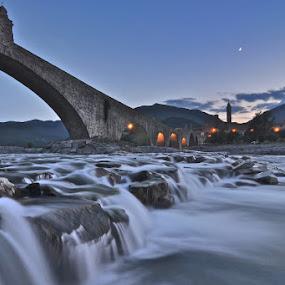 Il Ponte Vecchio o Gobbo - Bobbio (PC) by Luigi Alloni - Landscapes Waterscapes ( long exposure bridge water sunset moon lights )