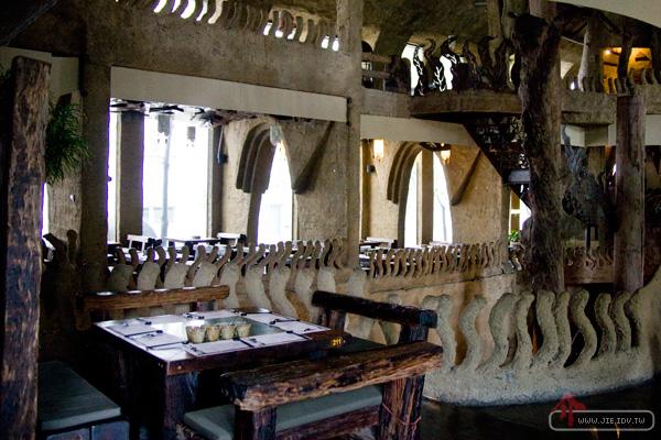 伍角船板餐廳
