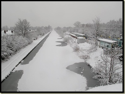 The Bridgewater Canal from Timperley Bridge on 5 January 2010