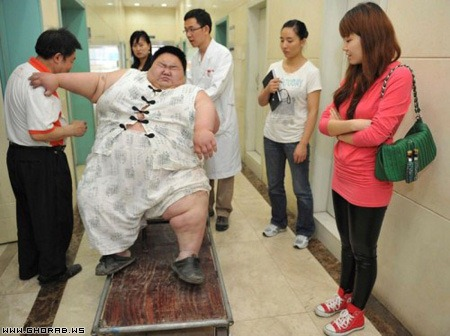 30-year-old man with an increase of 1 m 58 cm weighs about 230 pounds