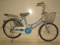 1 City Bike EVERBEST Kunci Setang dan Lampu Sen 20 Inci