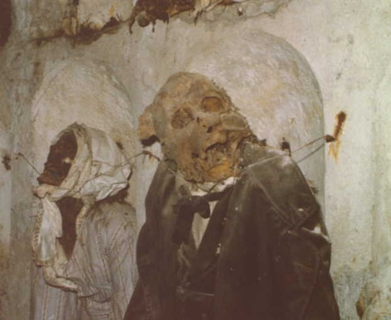 world's bizarre catacombs 41