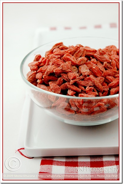 Goji Berries (02) by MeetaK