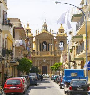 Alltag in der sizilianischen Kleinstadt Santa Elia