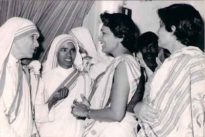Dr. Bhagwati Oza with Mother Teresa