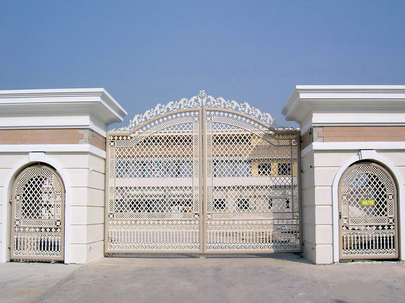 Iron gates design gallery 10 images kerala home design for Home gate design