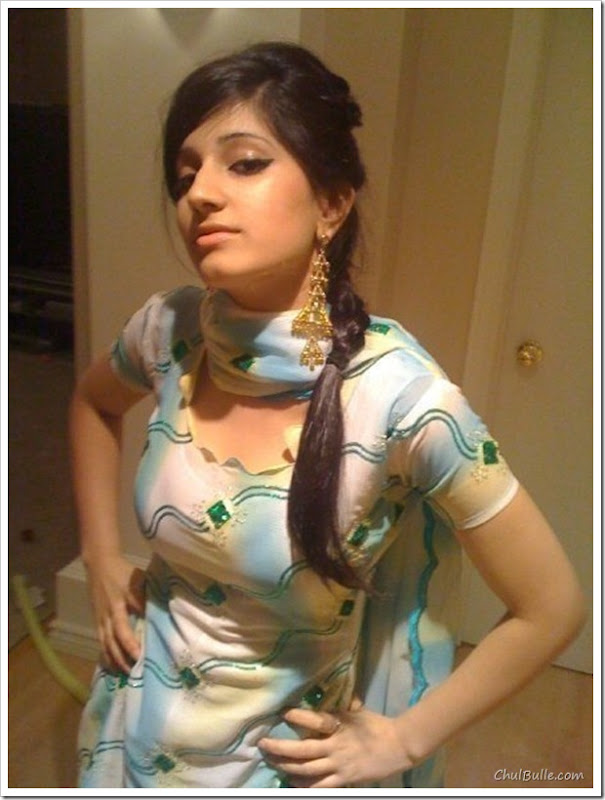 Chulbulle Funny Pics  Hot Pictures Hot Indian Facebook -9172