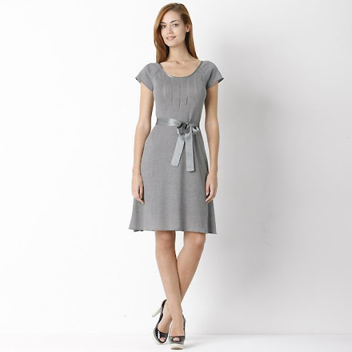 Vestido corto gris para fiesta