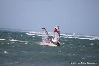 Sessions 2011 - 20110315 Jaws et Kanaha Beach le 15 mars 2011