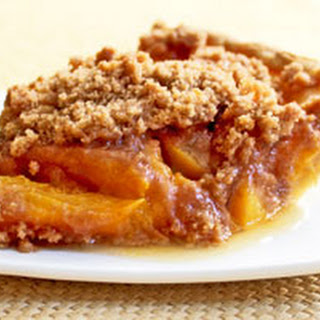 Award Winning Vegan Peach Crumb Pie.