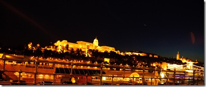 at-night-budapest-castle