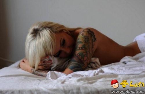 as mais lindas e sexy garotas tatuadas (25)
