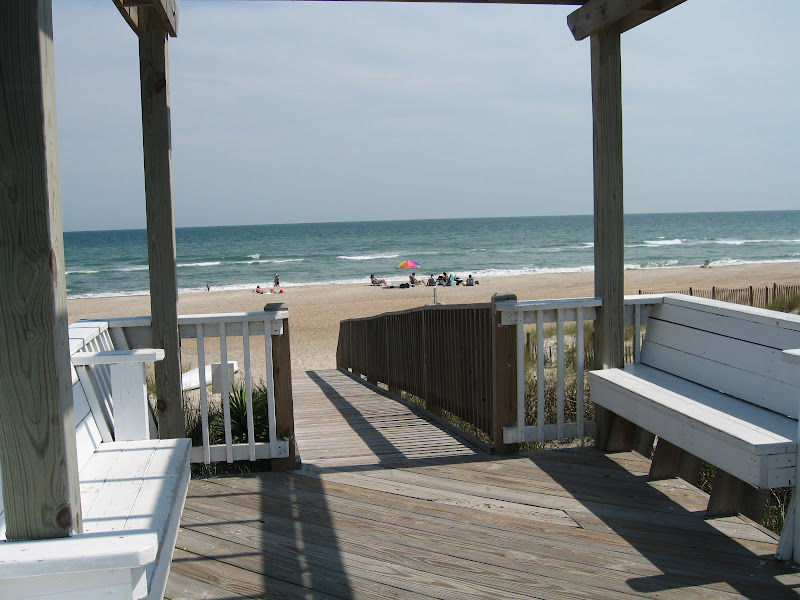 walkway2 - Spinnakers Reach at the beach - Emerald Isle North Carolina