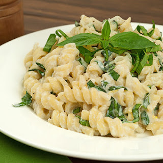 Pasta with Lemon-Basil Ricotta Sauce