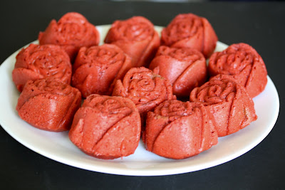 photo of a plate of Red Velvet Roses