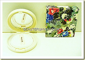 PAUL & JOE Holiday Christmas Symphony 2010 Pressed Powder Compact Case with puff