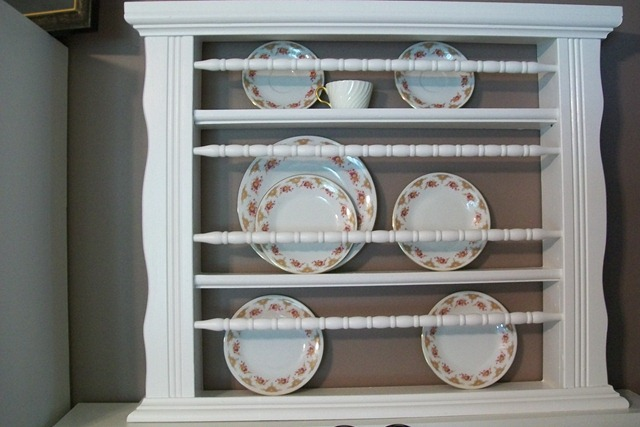 Old Crib to Plate Holder | Repurpose Furniture: The Best Way To Upgrade Your Home Living Economically