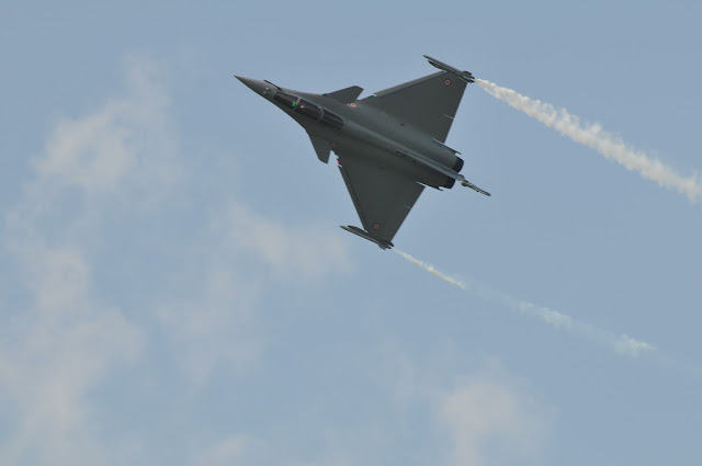 Dassault RAFALE fighter aircraft aerobatics