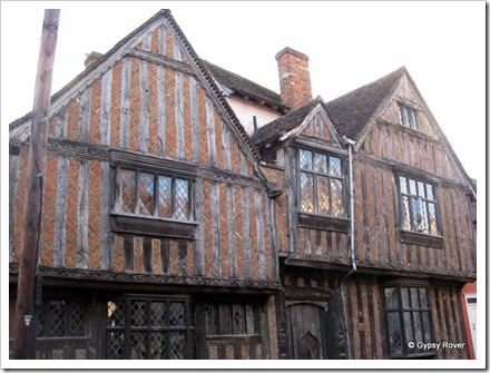 Real Tudor in this place.