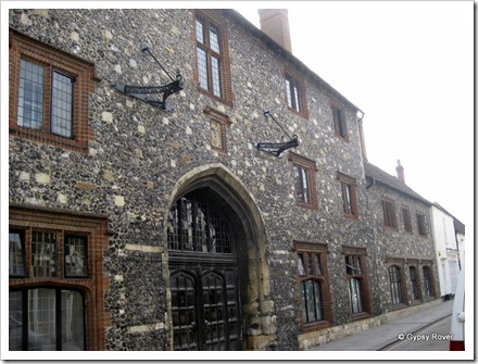 There are many buildings in Canterbury built using the same stones as this.