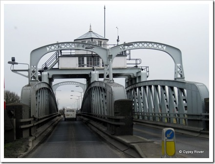 Built in 1897 Cross Keys Swing Bridge spans the River Nene and was originally a road/railway bridge until 1965, when it carries road traffic between Lincolnshire and Norfolk.