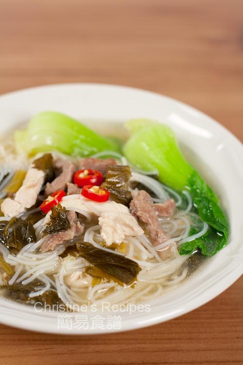 雪菜肉絲雞絲湯米粉 Shredded pork with Salted Vegetables Rice Noodle Soup01