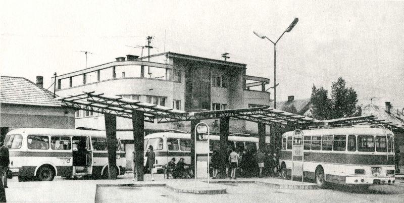 autobusov%C3%A1+stanica.jpg