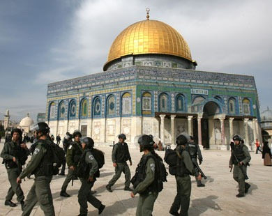 israeli_police_attack_the_aqsa