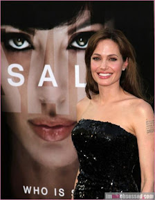 angelina-jolie-and-brad-pitt-attend-salt-premiere-in-la-photos-gallery