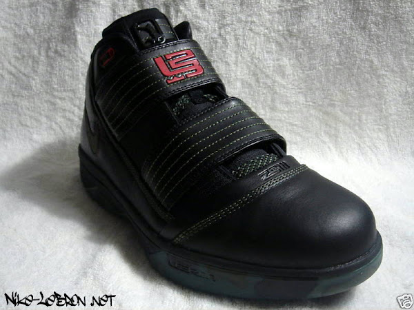 half off 1283e f6b64 Upcoming Army Nike Zoom LeBron Soldier III